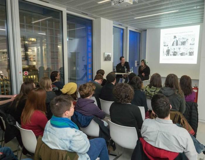 Abends bei der Präsentation: Volles Haus in der Stadtbibliothek Stuttgart.